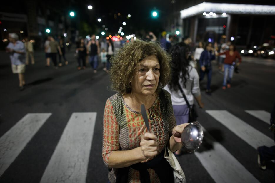 En fotos: Jornada de violentas protestas contra la reforma de pensiones...