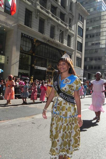 Las reinas del desfile de la hispanidad en Nu c7f2a7569b664b9eb6db4fabde...