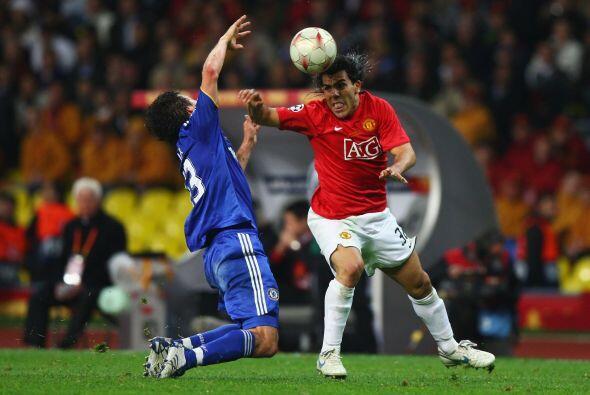 En la campaña 2007-2008 el Manchester United le arrebató al Chelsea la o...