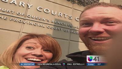 Selfie de pareja divorciada provoca revuelo