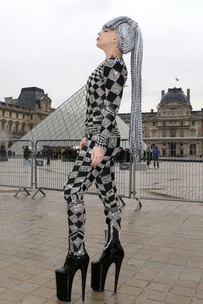 ¡París siempre saca el lado más 'fashionista' de las personas! Como fino...