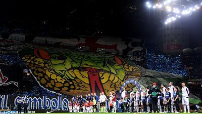 En fotos: los 'tifosi' hicieron la fiesta en el Derbi de Milán con sus pancartas