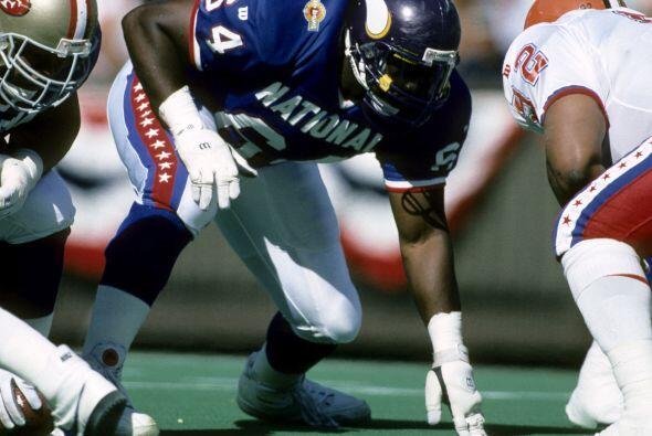 12 apariciones - Randall McDaniel, liniero ofensivo (1988-2001).