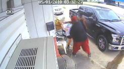 "Clientes de restaurante golpean a madre e hija por ""mal servicio"""