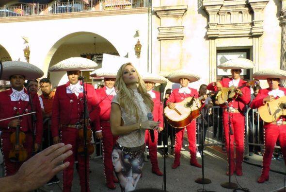 Noelia también nos deleitó con su bella voz esta ma&ntilde...