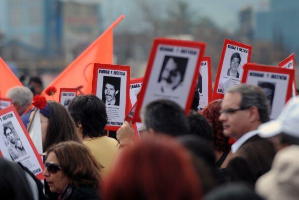 La situación de la dictadura chilena sigue causando estragos en l...