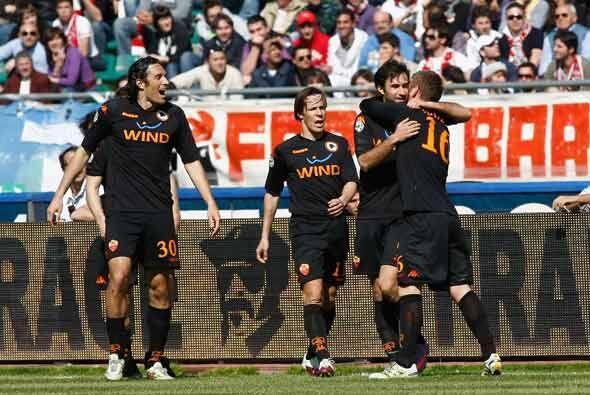 Roma también ganó con un gol de Vucinic.