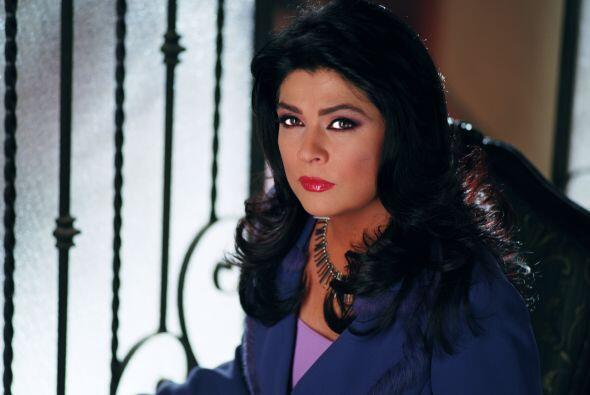 """Victoria Ruffo interpreta a la bella """"María"""" una mujer con gran personal..."""