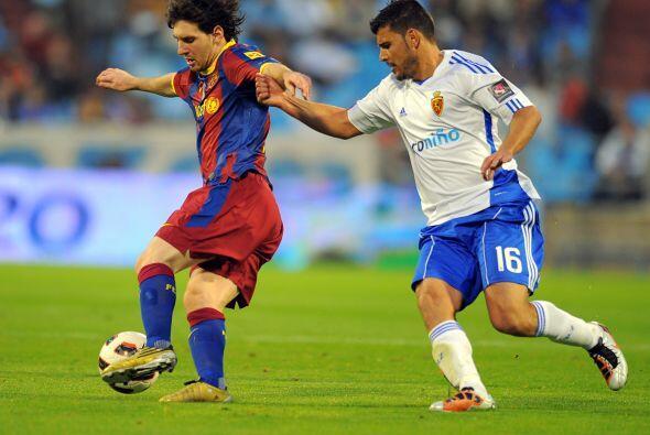Lionel Messi resultó una pesadilla para la defensa del Zaragoza.