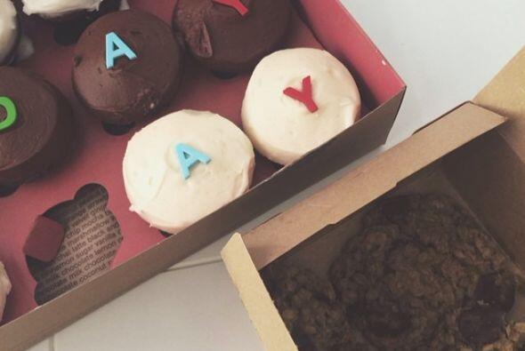 """Estos son los """"cupcakes"""" que recibió la chica por la ma..."""