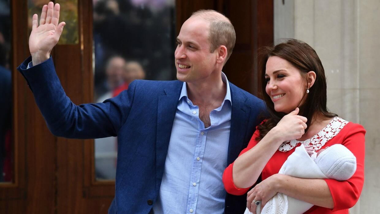Los duques de Cambridge, el príncipe William y Kate Middleton, salieron...