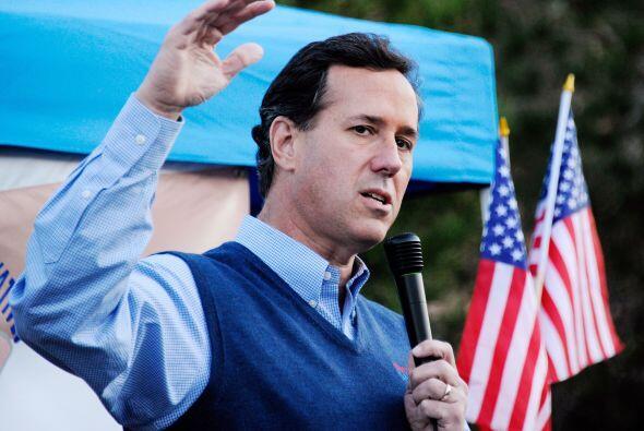 Santorum, tras el anuncio de su victoria en el caucus de Iowa tuvo un in...