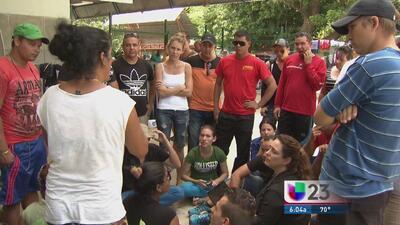 Cubanos varados imploran ayuda para salir