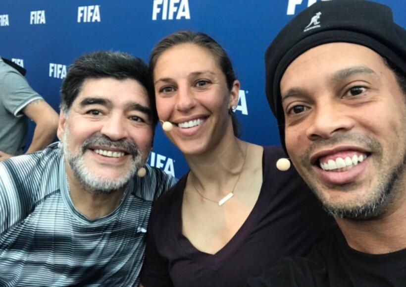 Tres grandes del fútbol: Diego Maradona, Carli Lloyd y Ronaldinho en un...