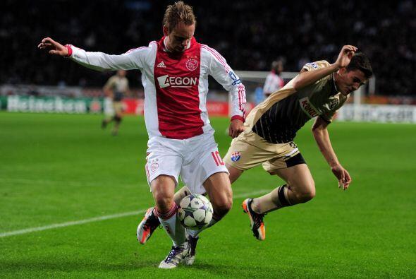 Ajax goleó al Dinamo Zagreb por 4 a 0.