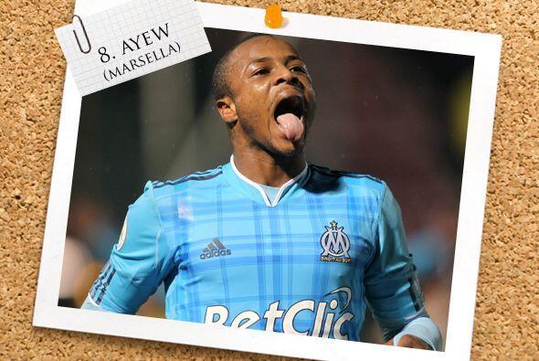 Un extremo de calidad acompaña a los volantes, el ghanés André Ayew.
