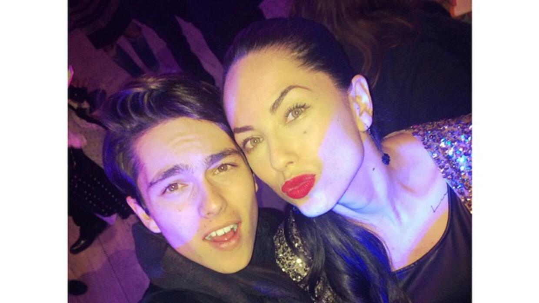 Sergio sube fotos de él con su mamá en sus redes sociales.