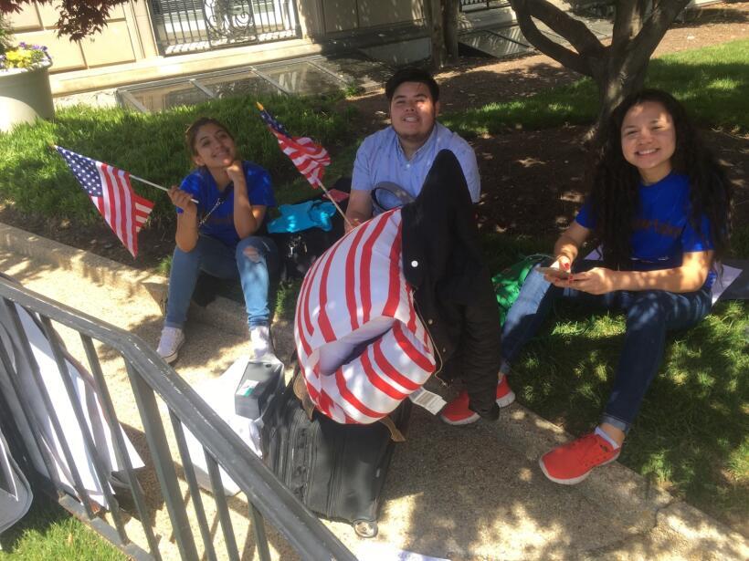 Activistas e inmigrantes de Arizona en Washington para audiencia en Trib...