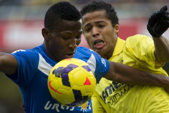 El Villarreal, que se impuso por 2-0 al Almería (17º), en la vigésima jo...