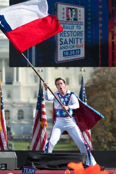 El comediante Stephen Colbert se llevó las palmas y las sonriesas de tod...