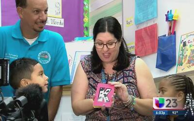 Más de 200 mil alumnos regresan a clases en el condado de Broward