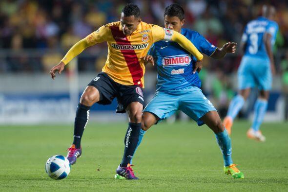 Aldo Leao Ramírez procuró generar el ataque de la Monarquía pero fue bie...