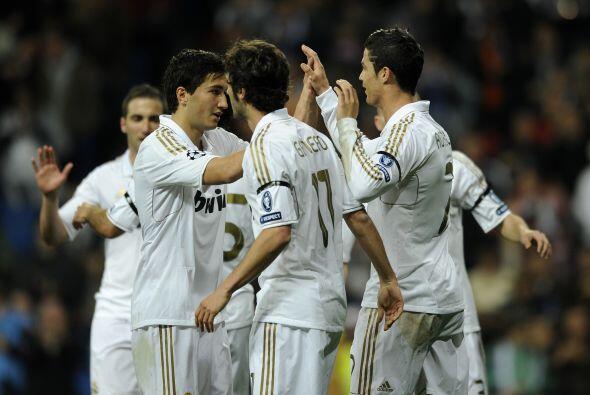 El 5-2 era definitivo, triunfo blanco para avanzar a las semifinales.
