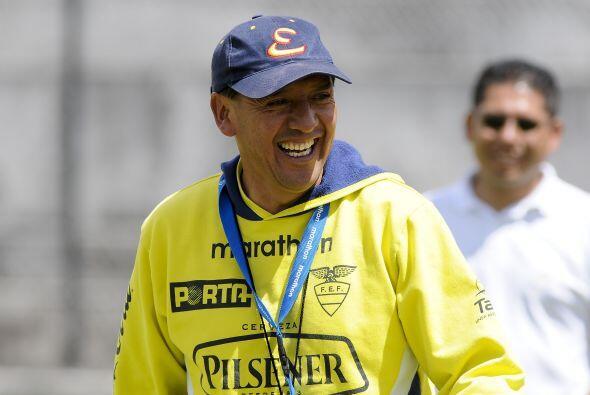 Sixto Vizuete es el DT de Ecuador. En la nómina figuran Juan Cazares (Ri...