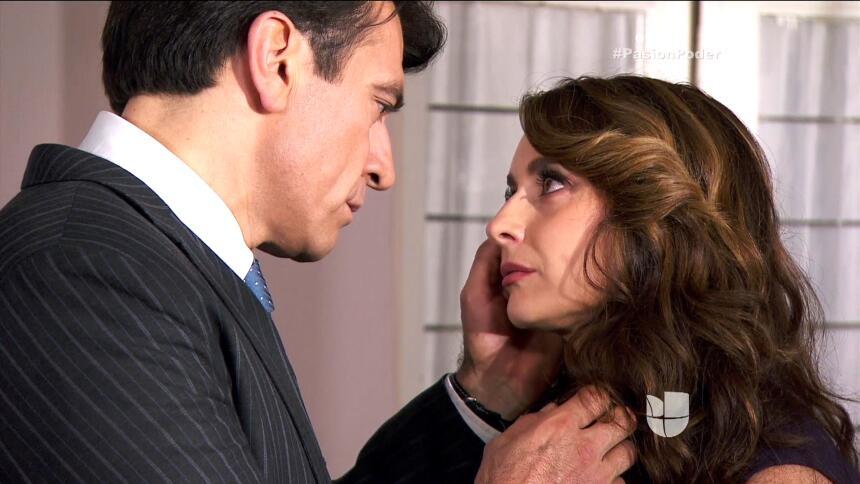¡Julia le confesó su secreto a Arturo! AC58CAB207434353840A0FB9DC52473F.jpg