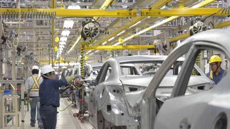 Marcas como Mazda han hecho inversiones millonarias para poner fábricas...