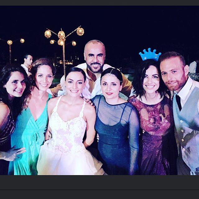 ¡Un desfile de bellezas en la boda de Marimar Vega!