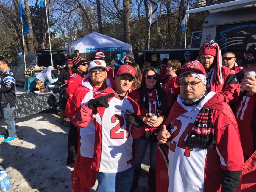 Fans de los Cardenales dicen presente en Carolina del Norte
