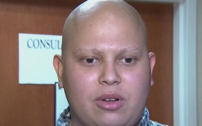 Inmigrante diagnosticado con cáncer pide ayuda para que su madre pueda v...