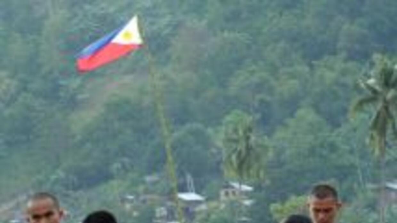 Las autoridades de Filipinas elevaron a 456 los muertos provocados por e...