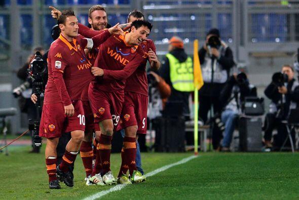 Con un gol marcado, Burdisso aportó en la victoria de los romanos por 4-2.