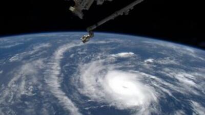 Imagen difundida por la NASA del huracán Danny desde el espacio.