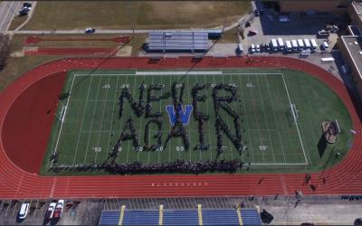 Protesta de estudiantes deWest  Aurora High School contra las armas