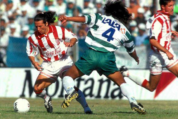 Pedro Muñoz, el ex defensor de Santos fue un símbolo de la...