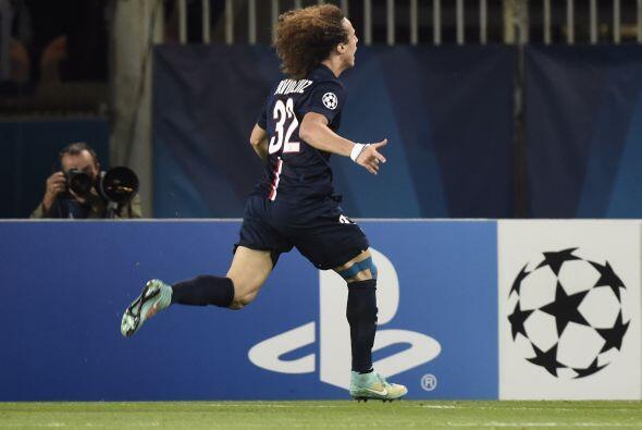 David Luiz festejando su anotación.