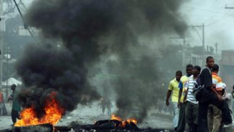 Una decena de personas fueron arrestadas este viernes en Puerto Príncipe...