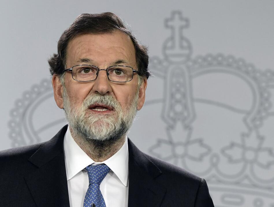 El presidente español, Mariano Rajoy, anunció este viernes...