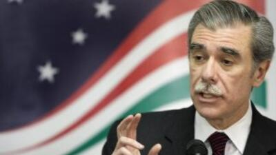 El ex secretario de Comercio, Carlos Gutiérrez, lidera un grupo republi...