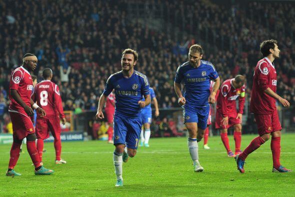 El español Mata volvió a aparecer para convertir el 3-0.