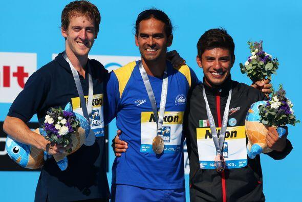 Paredes se convirtió en el primer mexicano en subir al podio.