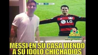 Los memes elogiaron a 'Chicharito' por su triplete