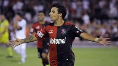Con un doblete de Ignacio Scocco, Newell´s Old Boys venció al Deportivo...