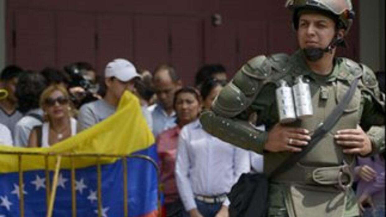 La crisis en Venezuela, desatada el 11 de febrero con marchas de jóvenes...