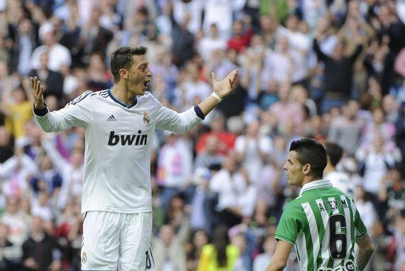 El alemán Mesut Özil dio un excelente encuentro en la victor...