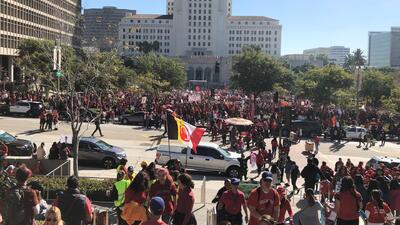 Alumnos y maestros de Los Ángeles regresan a clases tras seis días de huelga