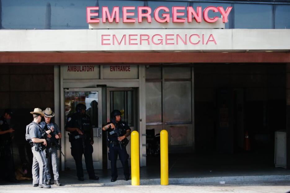 El sujeto disparó en el piso 16 de la instalación médica cerca de las 2:...